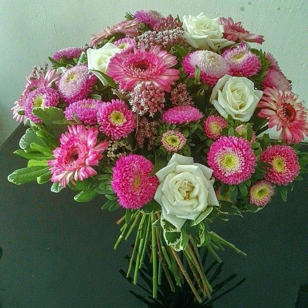 Цветы и букеты цветов на любой праздник в Рамле