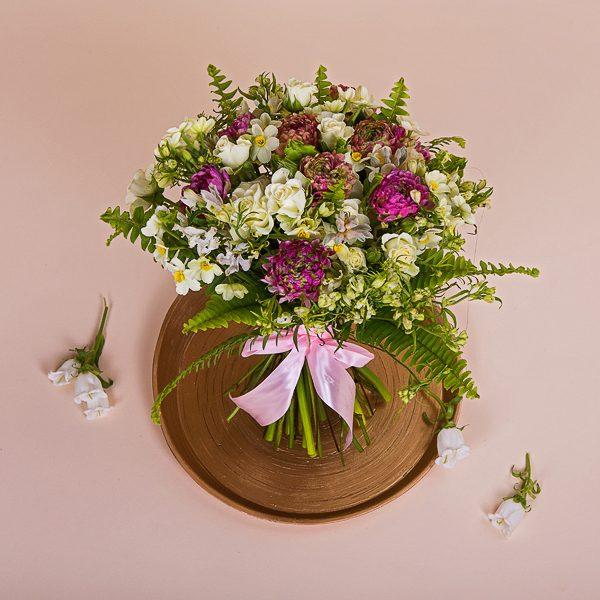 משלוח זר פרחים לבנים