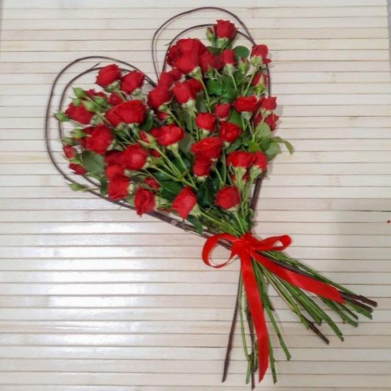 Красные розы в подарок с доставкой Ашдод
