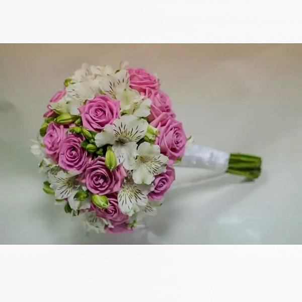 красивый букет невесты для идеальной свадьбы в Гедере, Явне, Рамле и других городах Израиля